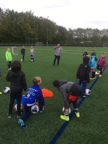 Fodboldglæden bobler hos de yngre årgange